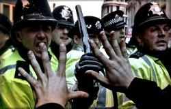 G20 Police Confront Protestors